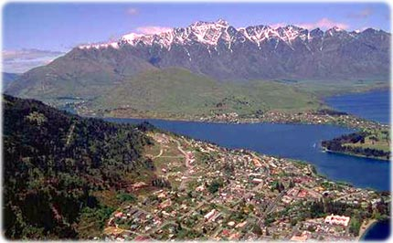 Queenstown and Wakatipu lake, in New Zeeland